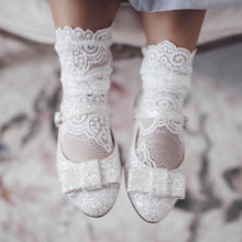 Load image into Gallery viewer, Alice Lace Socks - White