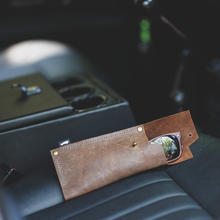 Load image into Gallery viewer, DEFENDER LEATHER SUNGLASSES CASE