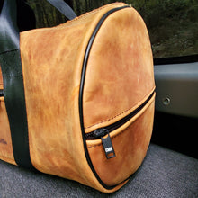 Load image into Gallery viewer, DEFENDER 110 WEEKENDER LEATHER BAG