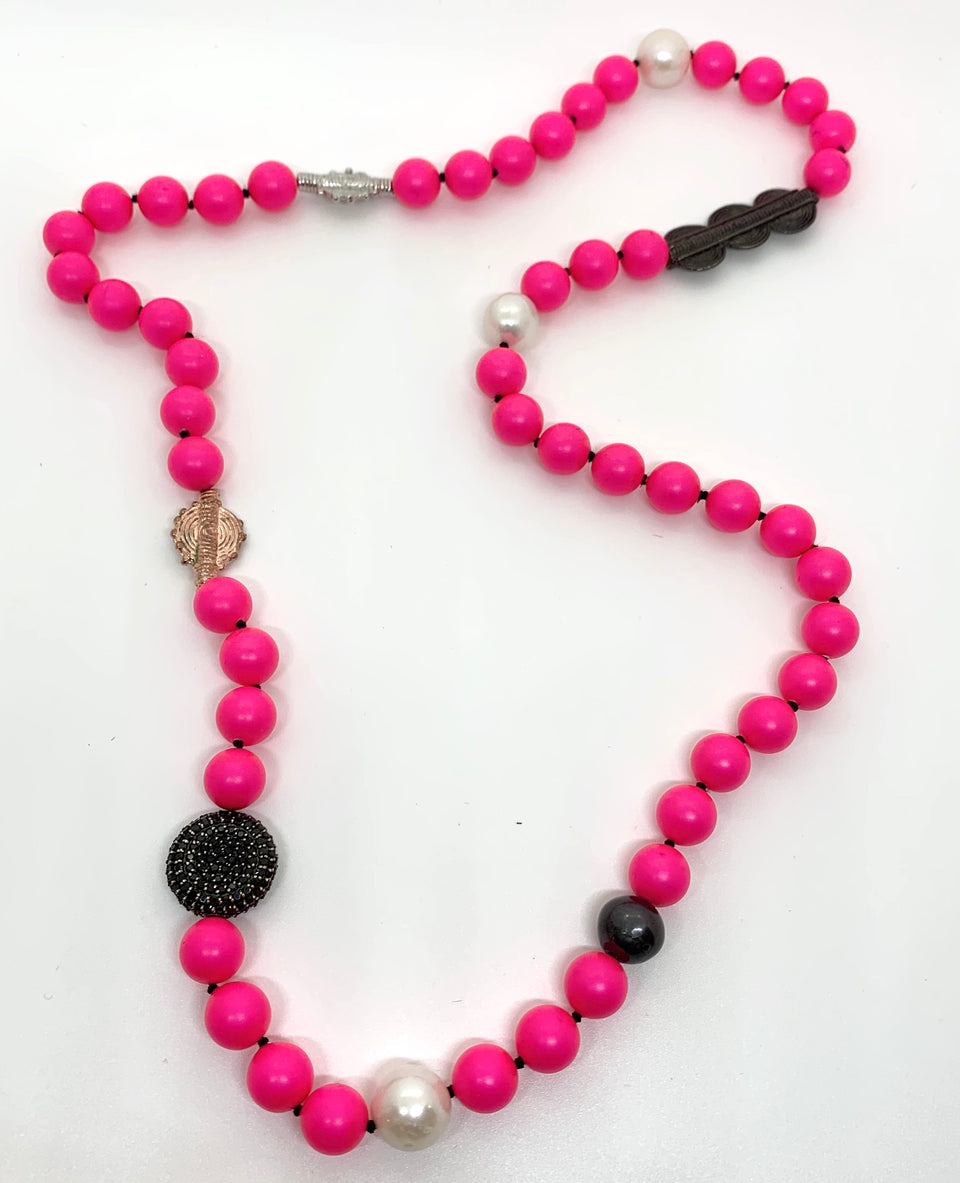 Vermillion Tribal Pearl Necklace