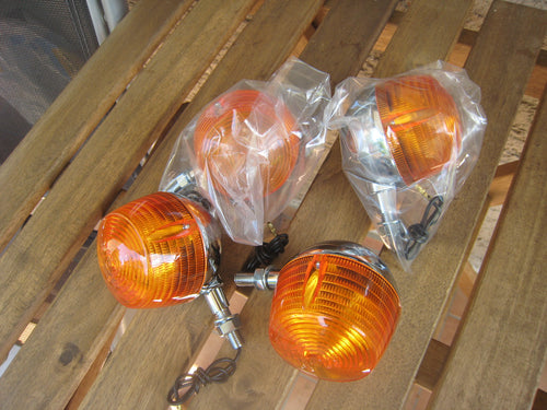 Blinker RV 50/90/125 neu Repro Eierbecher