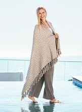 Load image into Gallery viewer, Barefoot Dreams Beach House Blanket