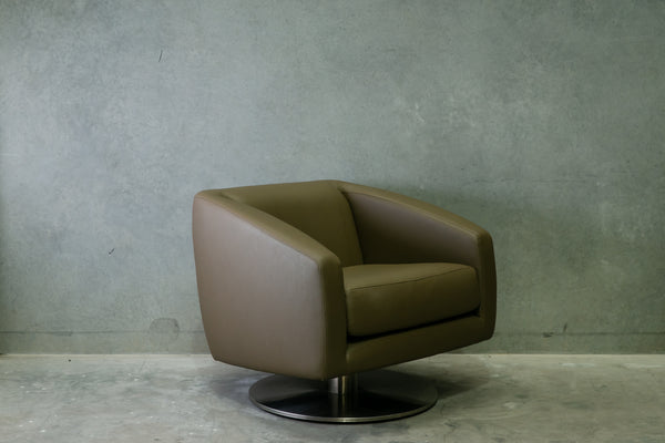Schamburg Alvisse Smooth Tub Chair