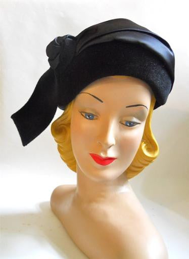 Sculpted Black Wool Hat with Satin Wrap & Rosette circa 1950s