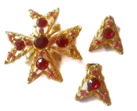 Bright Pink Rhinestone Brooch and Clip Earrings circa 1960s