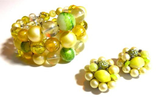 Lemon and Lime Beaded Wire 1960s Bracelet & Clip Earrings