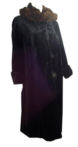 Winter Glamour Black Fur Trimmed 1920s Coat