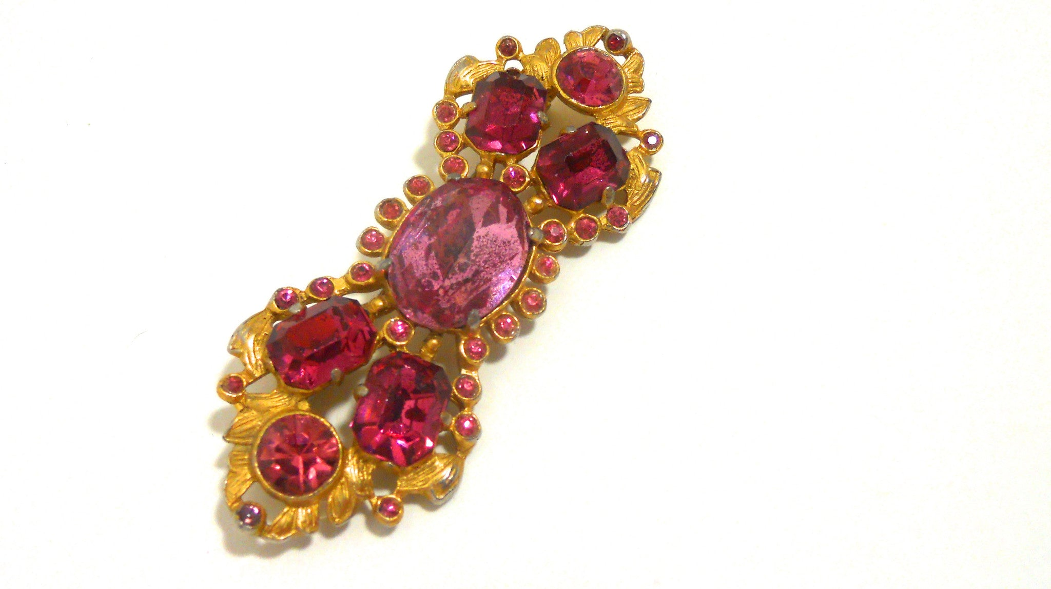 Pink Rhinestone Bar Pin 1940s Brooch