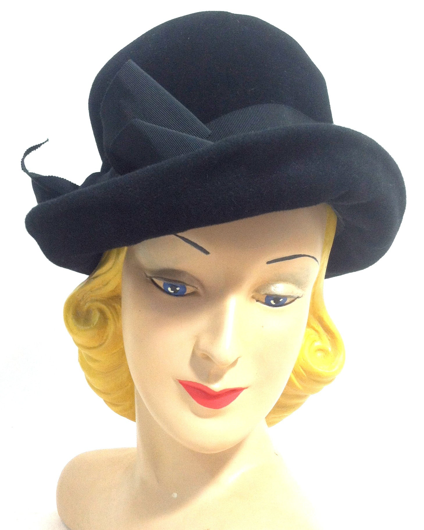 Soft Side Bowler Style Black Hat w/ Bow circa 1960s