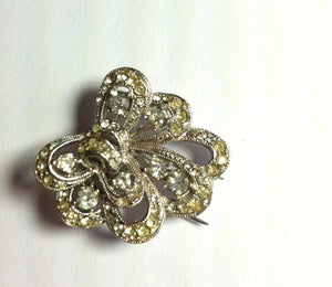 Swirled Bright Rhinestone and Pot Metal Fur Clip circa 1940s