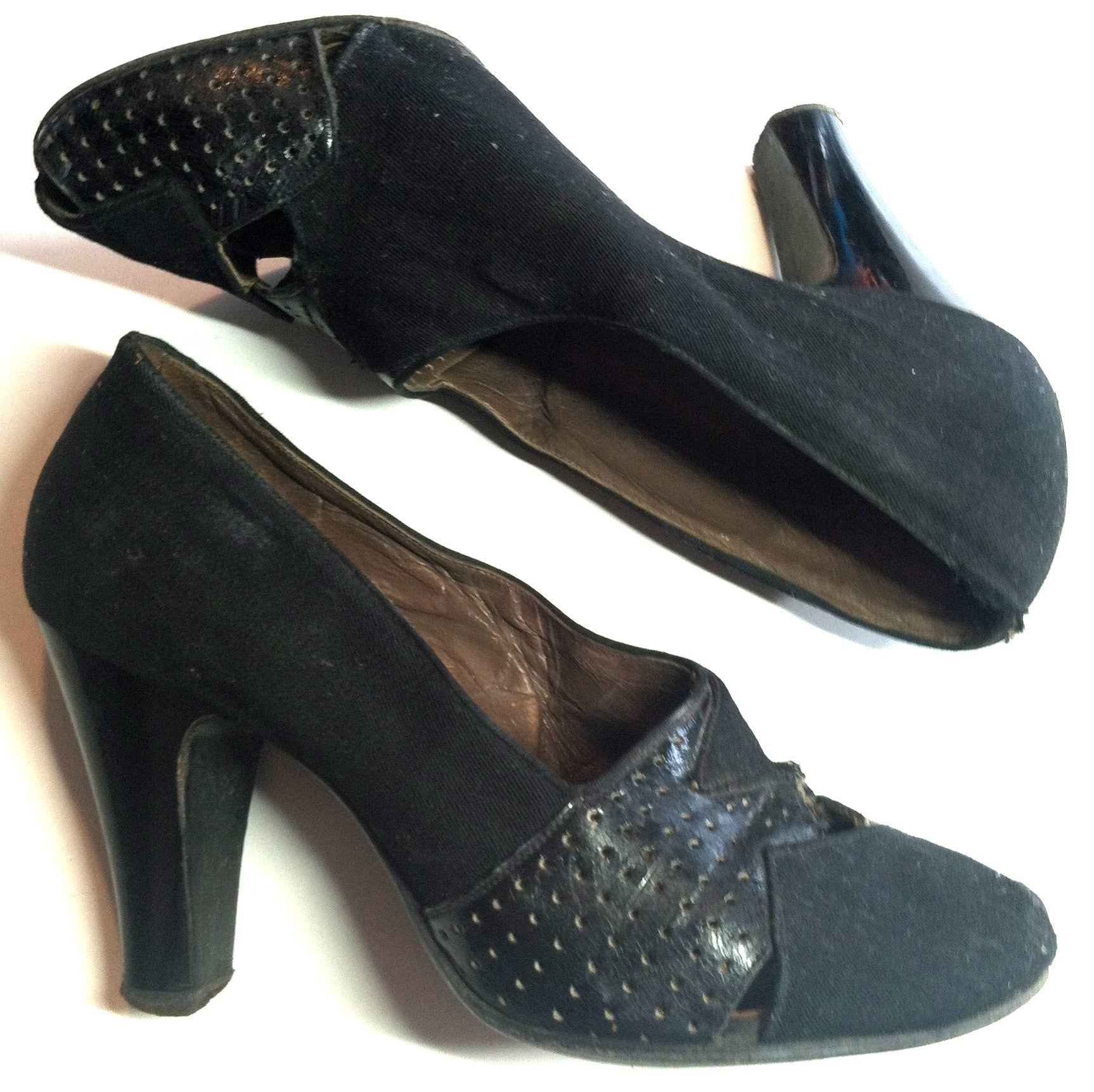 Peaks and Valleys Black Leather and Gabardine Shoes 4.5 circa 1940s Dorothea's Closet Vintage Shoes