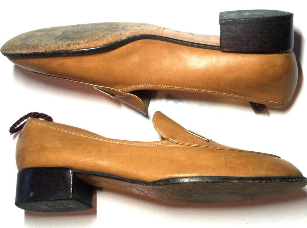 Camel Colored Leather Loafers w/ Stacked Heel 9 circa 1980s Gucci Dorothea's Closet Vintage Shoes
