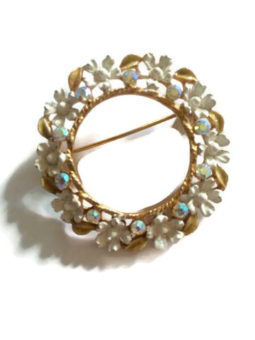 Sparkling Rhinestone Dotted Wreath White Floral Brooch circa 1960s