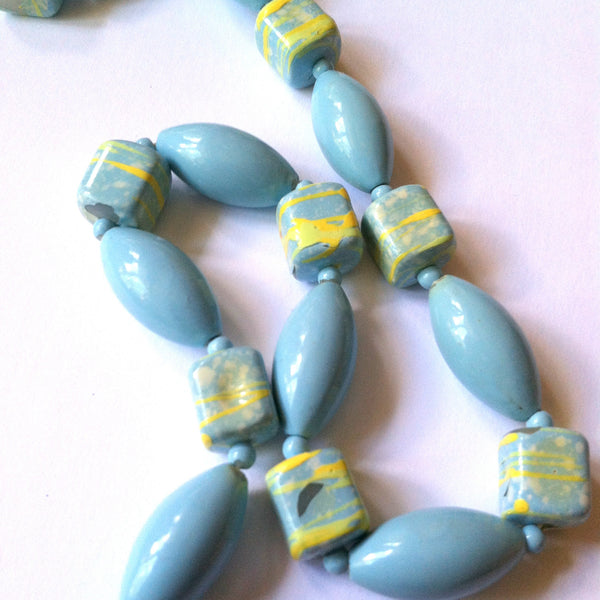 Chartreuse Green Swirled Aqua Glass Bead Necklace circa 1960s