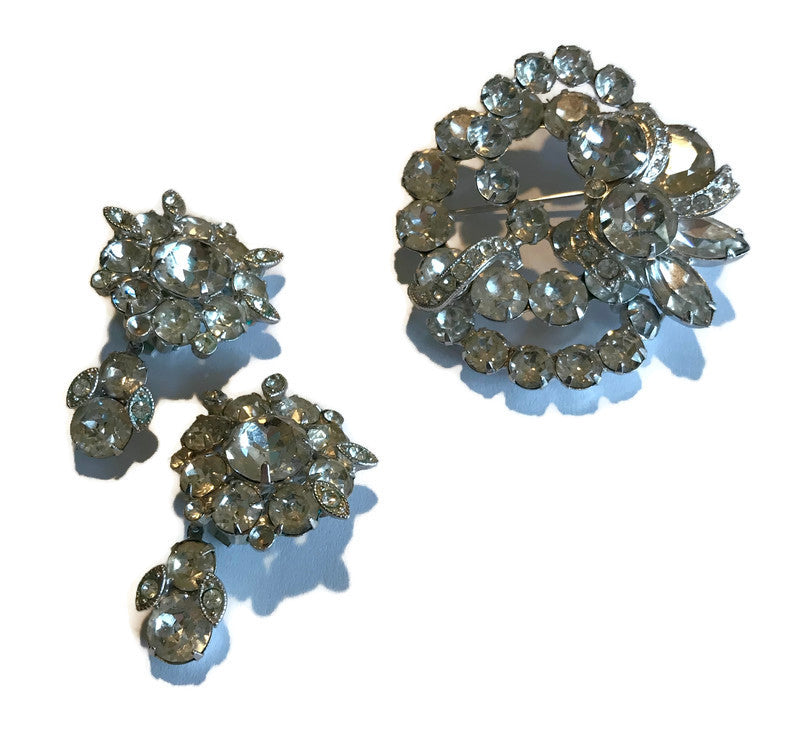 Brilliant Clear Rhinestone Statement Brooch and Clip Earrings Demi Parure Set circa 1950s