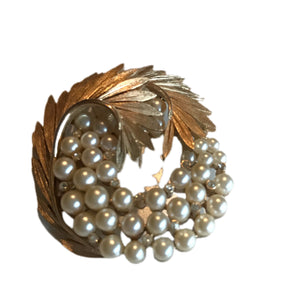 Elegant Large Faux Pearl and Clear Rhinestone Sparkling Gold Tone Leaf Brooch circa 1950s