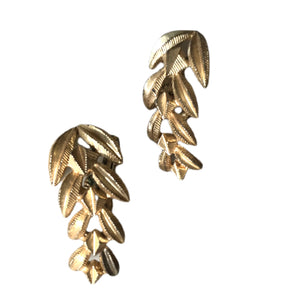 Leafy Gold Tone Metal Clip Earrings circa 1940s
