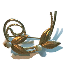 Swirled Golden Metal Pearls and Leaves Brooch circa 1960s