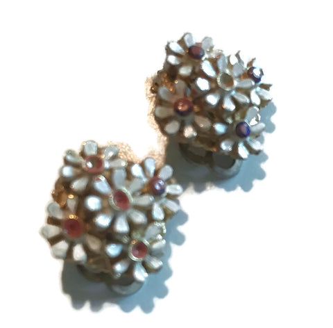 Pink and White Daisy Cluster Clip Earrings circa 1960s