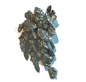 Sparkling Rhinestone Silver Fur or Dress Clip circa 1940s