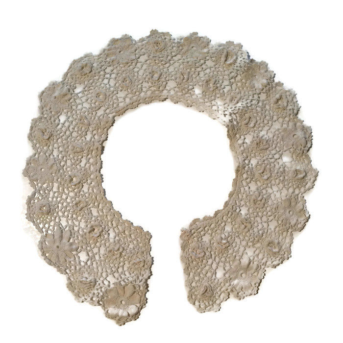 Crochet Lace Rounded Ecru Collar circa 1910s