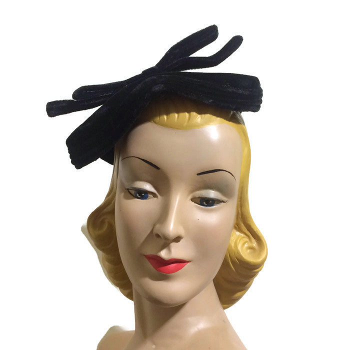 Ebony Black Velvet Cocktail Hat with Bow circa 1950s