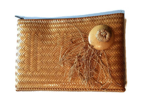 Lacquered Natural Straw Clutch Handbag w/ Fringed circa 1980s