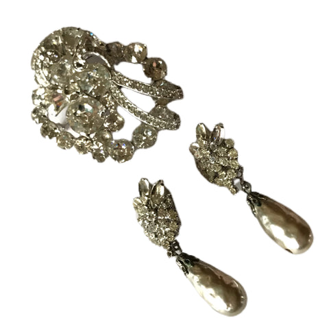 Brilliant Clear Rhinestone Statement Brooch and Clip Earrings with Baroque Faux Pearl Dangles Demi Parure Set circa 1950s