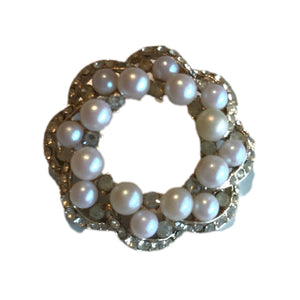 Faux Pearl and Clear Rhinestone Sparkling Wreath Brooch circa 1950s