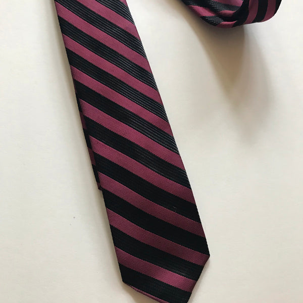 Shocking Pink and Black Iridescent Sharkskin Skinny Tie circa 1960s