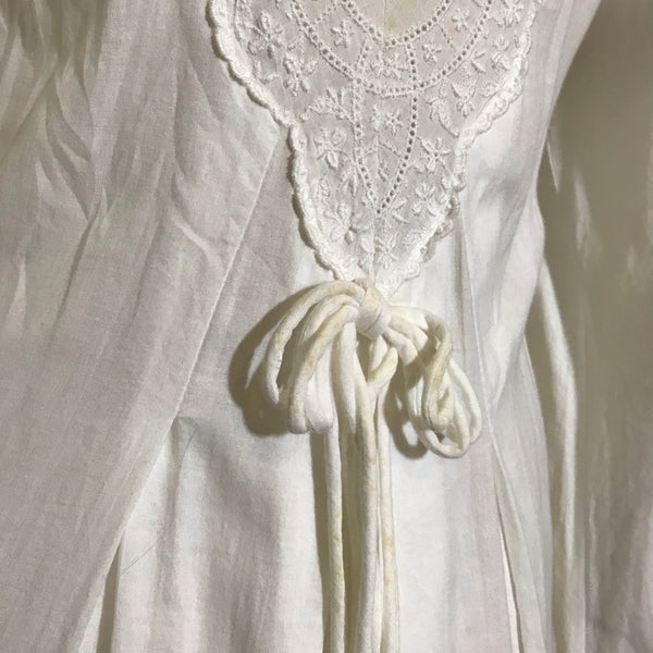 Victorian Style White Cotton Embroidered Dressing Gown Wrapper circa 1980s