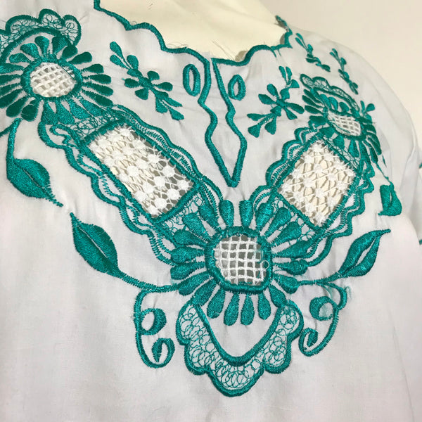 White Cotton Scalloped Folkloric Blouse with Turquoise Embroidery circa 1970s