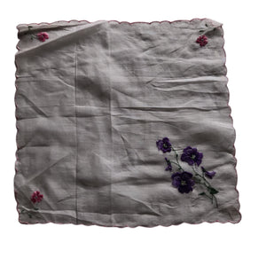 Pink Scalloped Edge Embroidered Pansy Handkerchief circa 1940s