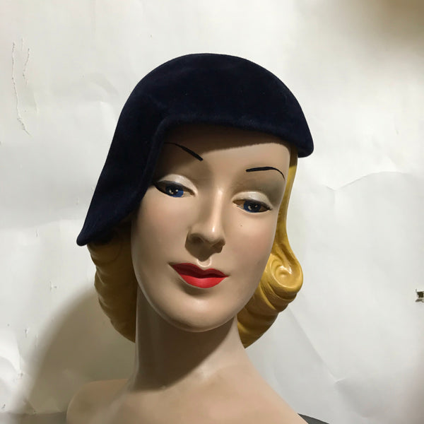 Deepeset Sapphire Blue Cocktail Hat Side Swept Shape circa 1950s