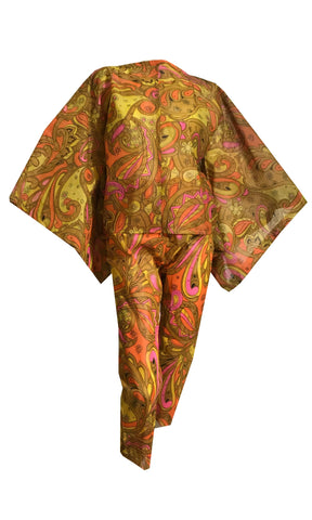 Pretty Paper! Psychedelic Yellow and Orange Paisley Print Bonded Paper Set of 2 Tops and Clam Digger Pants circa 1960d