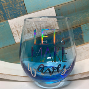 WAVES WINE GLASS