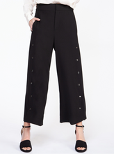 Load image into Gallery viewer, WIDE LEG PANT WITH SNAP