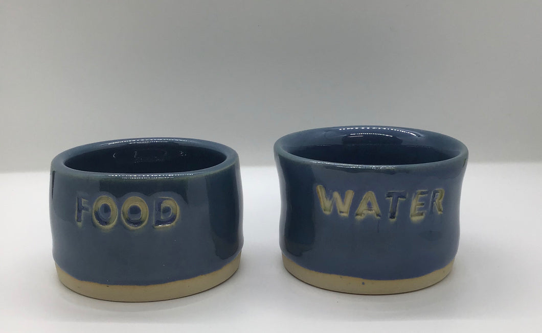 POTTERY SMALL PET DISH SET
