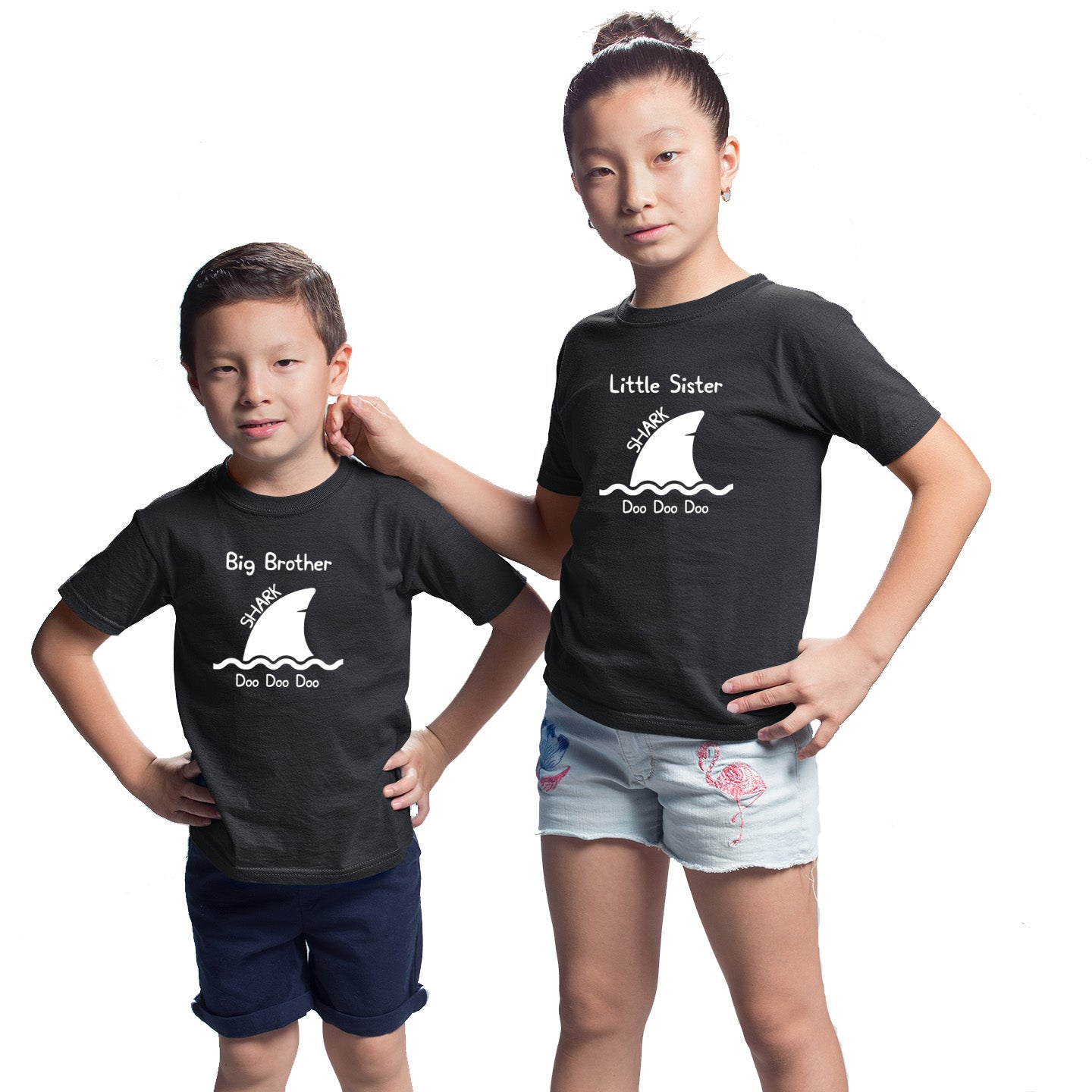 Sprinklecart Big Brother Shark Doo Doo Doo Little Sister Shark Doo Doo Doo Matching T Shirt (Black)