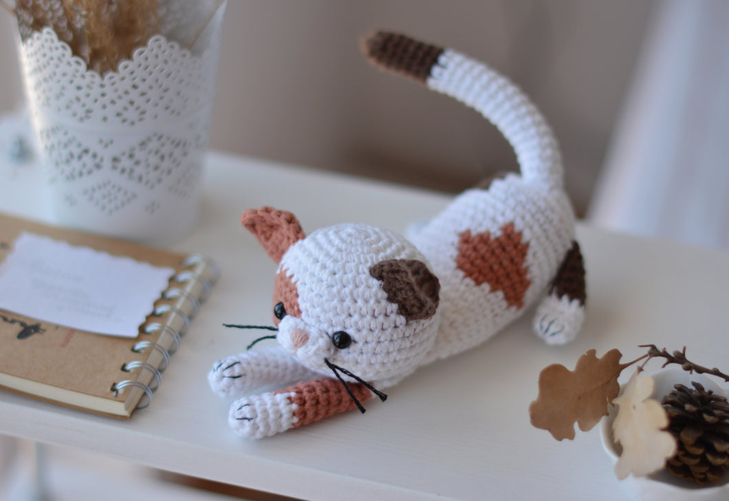 Calico Kitten Crochet Pattern, Spotted Cat Amigurumi - Firefly Crochet