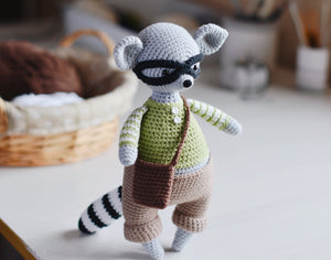 Crochet pattern for a Mouse & Raccoon amigurumi - Firefly Crochet