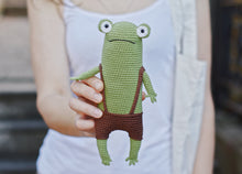 Load image into Gallery viewer, Frog Crochet Pattern Amigurumi - Firefly Crochet