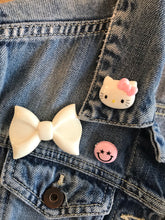 Load image into Gallery viewer, Hello Kitty Brooch
