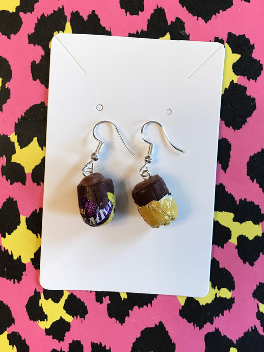 Mini caramel egg earrings