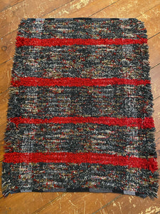 "Handwoven Rug Black/Red Variegated 25""W x 32""L"