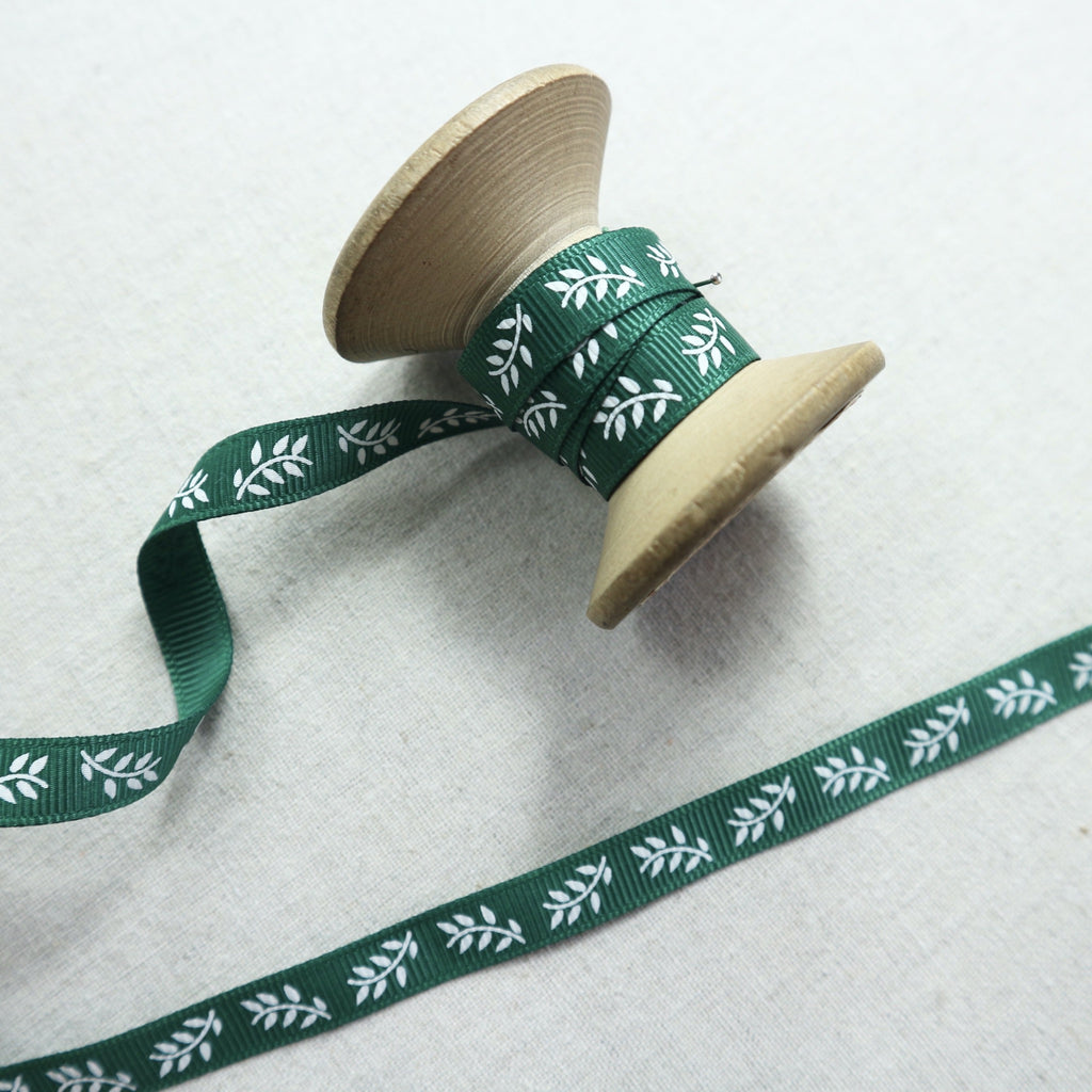 9mm jade grosgrain ribbon with leaf print