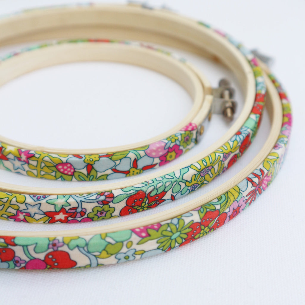 Flower Tops Strawberry Liberty Tana Lawn Fabric Covered Embroidery Hoops Fram - StitchKits Crafts