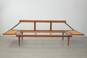 Sofa / Daybed by Peter Hvidt and Orla Mølgaard for France & Søn