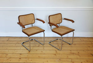 "Pair of cantilevered ""Cesca"" Carver  Chairs in brown, 1980s"