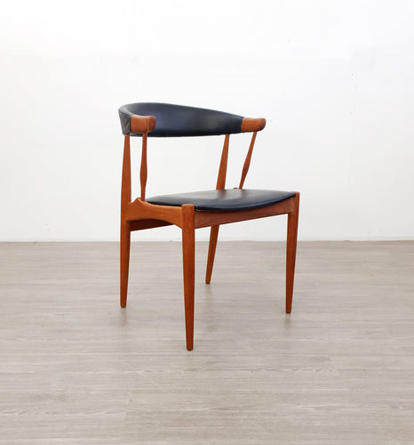 B113 Chair by Johannes Andersen for Møbelfabrik